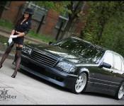 девушка и W140