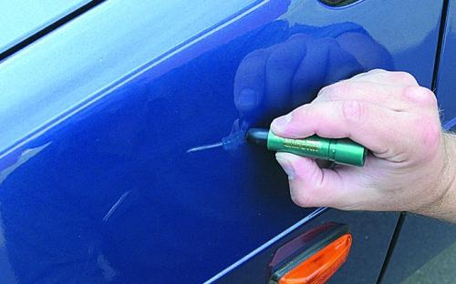 Как удалить сколы на автомобиле своими руками видео